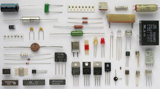 File Parallel plate capacitor also Practical Lesson In Capacitor Types also Capacitors further Doku in addition Theory. on ceramic capacitor types